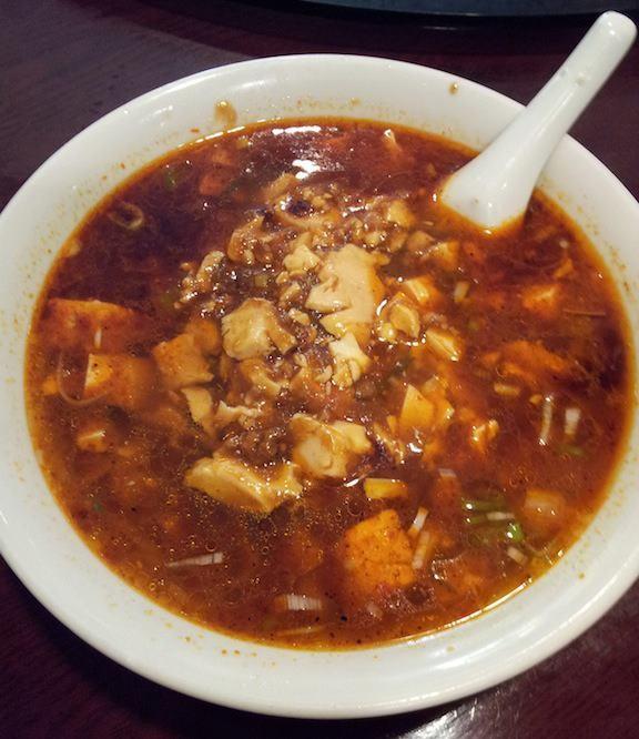 カレー風味マーボー麺。カレーなのか麻婆なのか、それとも両方なのか、激辛で頭皮から大量の汗が! 【2012年12月12日】