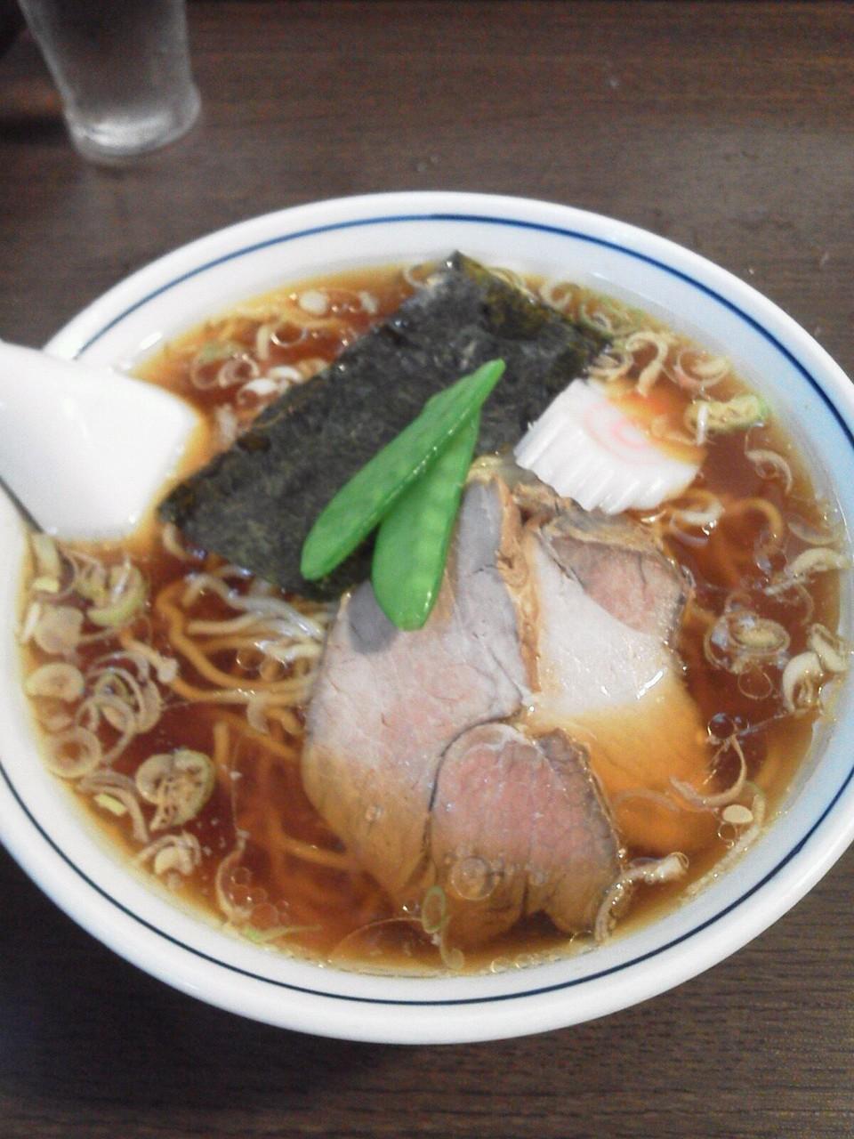 西荻窪はつねのラーメンですよぉ~! シンプルな味で、中華そばというカンジでつね。 【2011年9月21日】