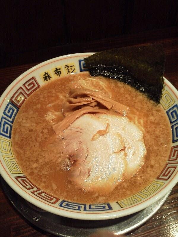 麻布十番にある麻布ラーメンの醤油ラーメンですよぉ~!! 【2011年9月15日】