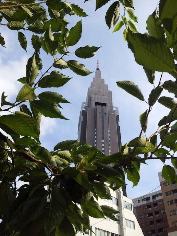 『熱中症の予防は、こまめな水分補給、室内の温度調節、規則正しい生活です。』 by Yahoo! 天気 【2012年8月3日】