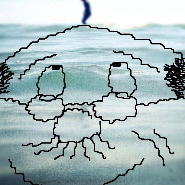 二回も盗難にあった波平さんの毛が、茅ヶ崎の海で 発見されますた。(撮影:佐々木うりゃりゃさん) 【制作日/2012年5月22日】