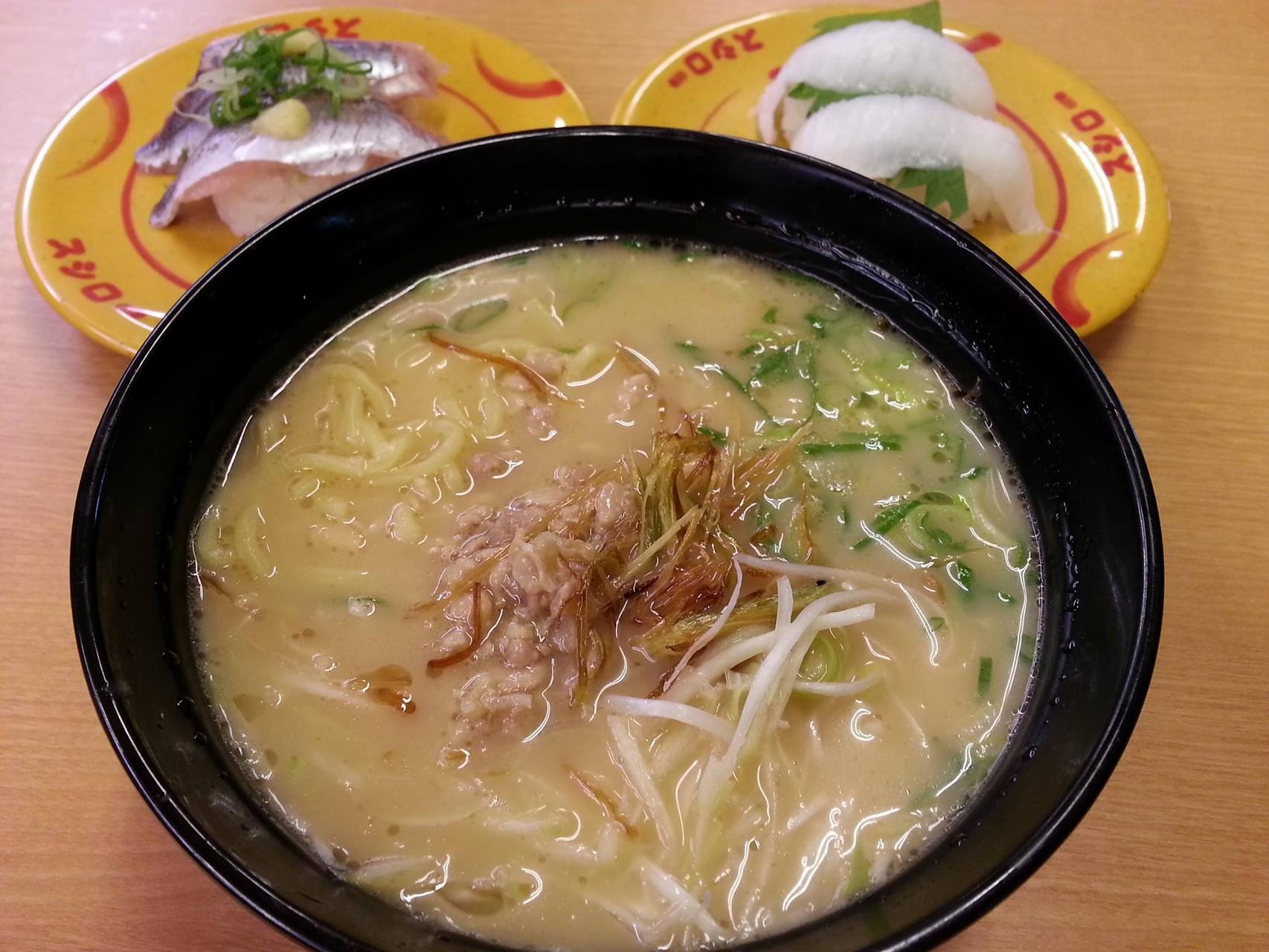 朝スシローで朝ラー。鶏そぼろ入り西京味噌ラーメン。フツーの味でつ。 【2014年7月13日】