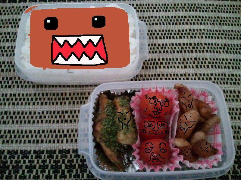 新企画、新井麻実さんのお弁当で遊ぼう! だぉ。 3日連続の弁当女子らしいでつが、弁当女子を略す と、なんかイヤでつね。 (*´Д`) 【制作日/2012年3月29日】