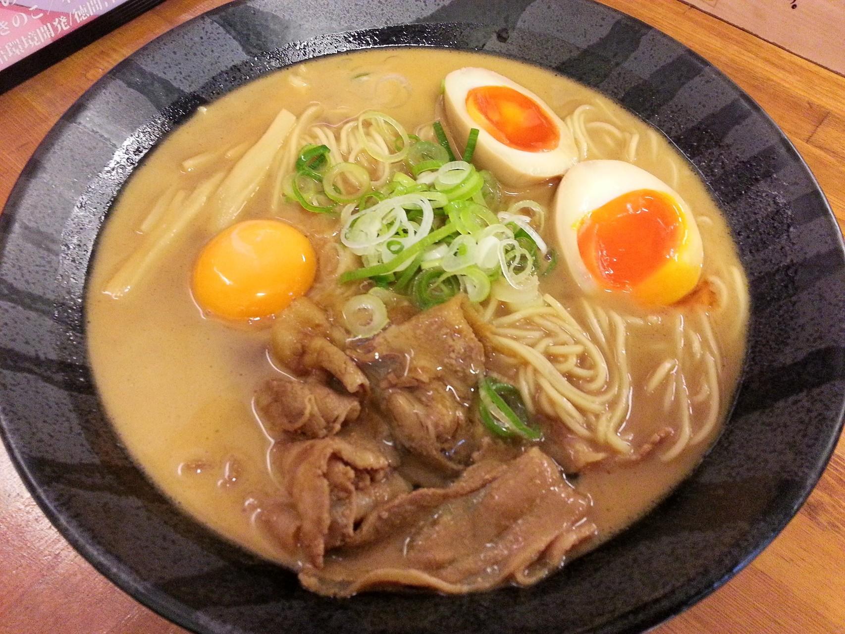 徳島ラーメンの茶系で玉子祭りちう! 【2014年5月17日】