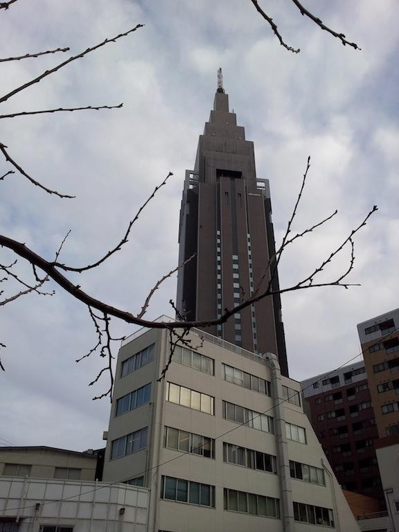 今日は昼過ぎから雨だす。それにすても鼻が痒い。 【2013年2月18日】