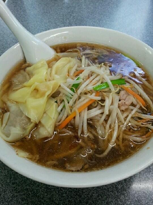 ちんぺ~さぁ~ん! 渋谷喜楽のもやしワンタン麺! 25、6年ぶりに食べますたよ。スープ濃いでつね。 【2012年8月23日】