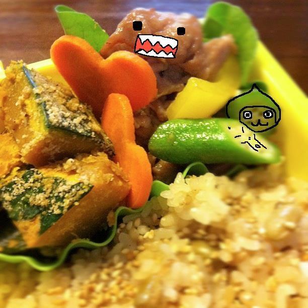 【美奈子さんのお弁当で遊んでみよう!】 これはこれは、ドーモくんにぴっちょんさん! 【制作日/2011年10月14日】