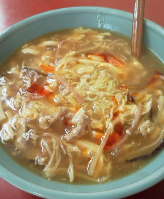 代々木、山水楼の酸辣湯麺(サンラータンメン)だよぉ~。カレーラーメン、担々麺より汗が噴き出す、すっぱ辛さ! 【2011年11月4日】