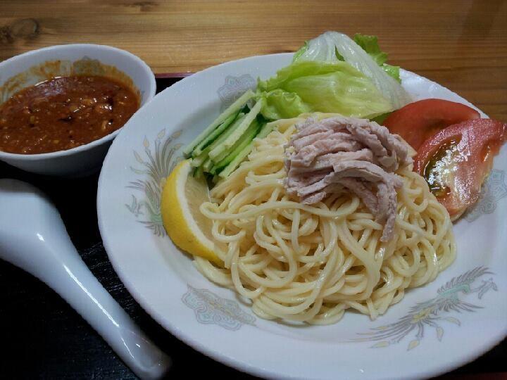 きんせいの冷し担々麺。つけ麺ぢゃないよ。冷しも自家製玉子めんが、シコシコでつよ。 【2013年8月9日】