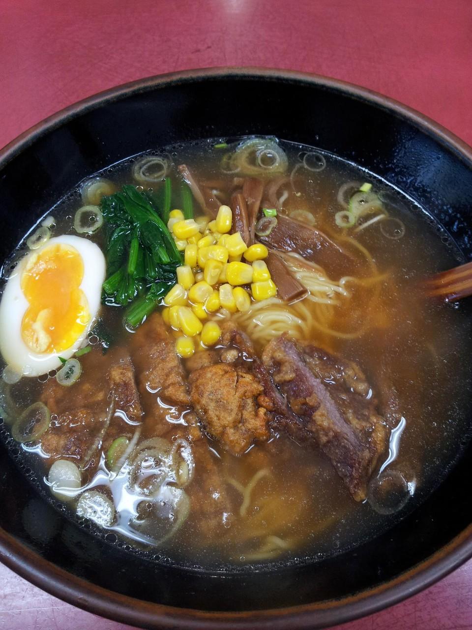 ゲーリー山本さんが、海員閣のパーコー飯を食べ損ねたので、代わりに山水樓のパーコー麺を頼みますたよ。ということで、ラーメン解禁なのだ! 【2013年4月15日】