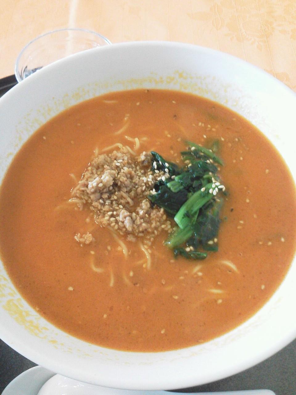 ゴルフに行っても麺ざんす。栃木の某ゴルフ場のオススメ担々麺。陳健一監修らしいけど、日光の近所ですた。いまいち! 【2011年10月1日】