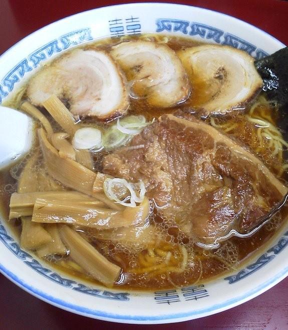 小杉でも小山でもないムサコ、武蔵小金井の「まんぼう亭」、ミックスらーめんだよぉ~! 今日は肉を妻とシェアできなかったのでヘビーだったよぉ。 【2011年11月20日】※閉店
