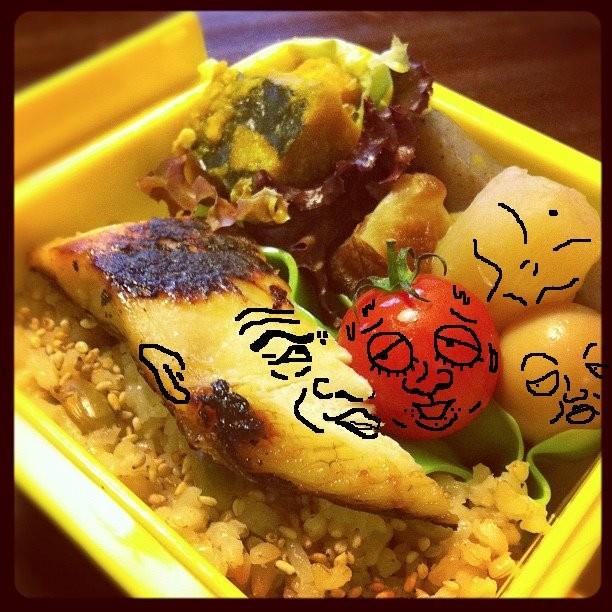 【美奈子さんのお弁当で遊んでみよう!】 猪木さんに、おざにゃんタジタジでつね。w 【制作日/2011年10月20日】