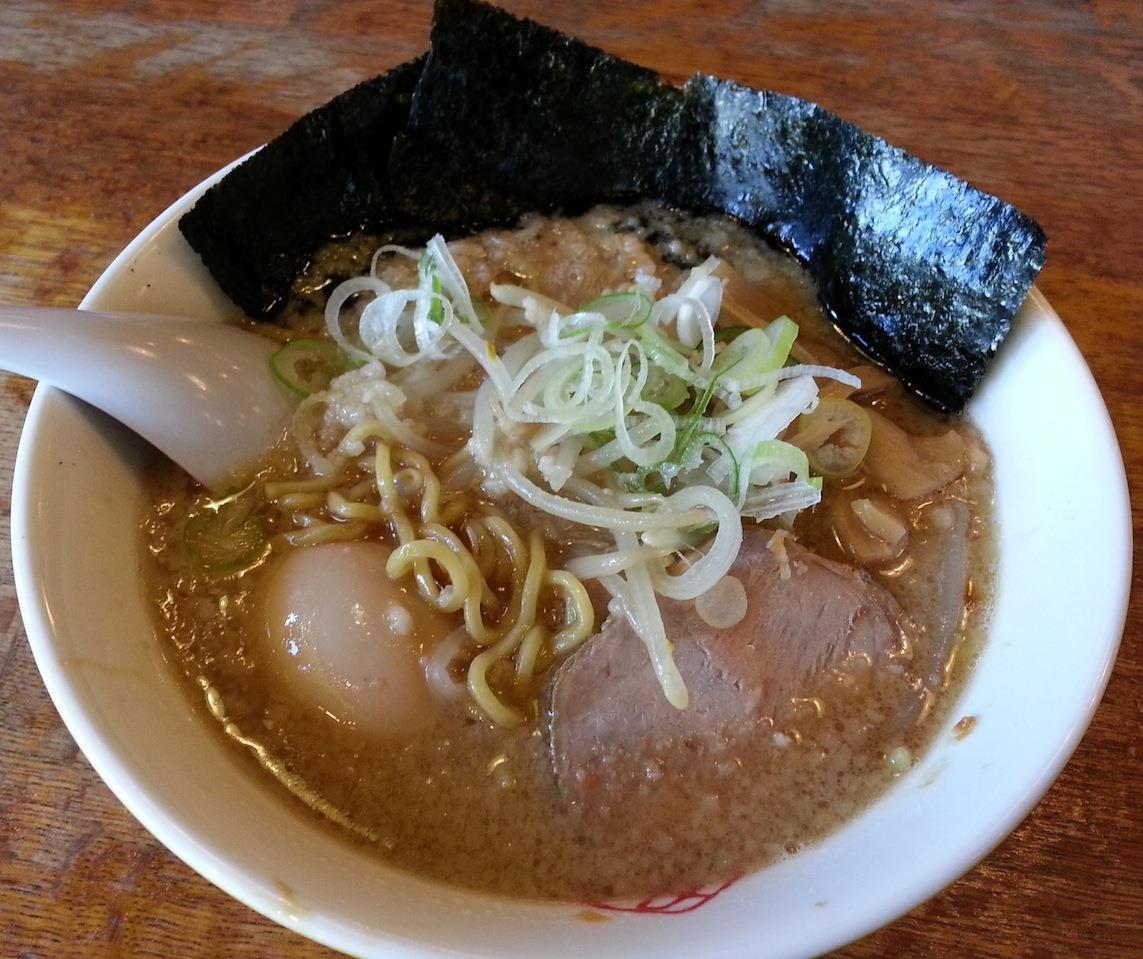 野方ホープラーメンでつ。先日の江川亭と味の系統は同じでつが、こっちのほうが好みかも。 【2014年10月28日】