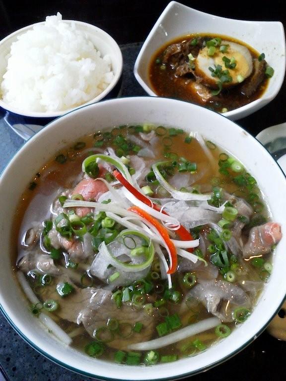 代々木ベトナムガーデン、牛しゃぶのフォォォ~! with 玉子と豚肉の煮込みライス、ぶぅぅぅ~! 【2012年5月15日】