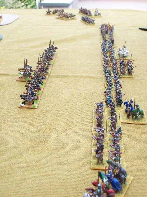 Die Reiter der Sassaniden nähern sich der Kreuzfahrer-Infanterie.