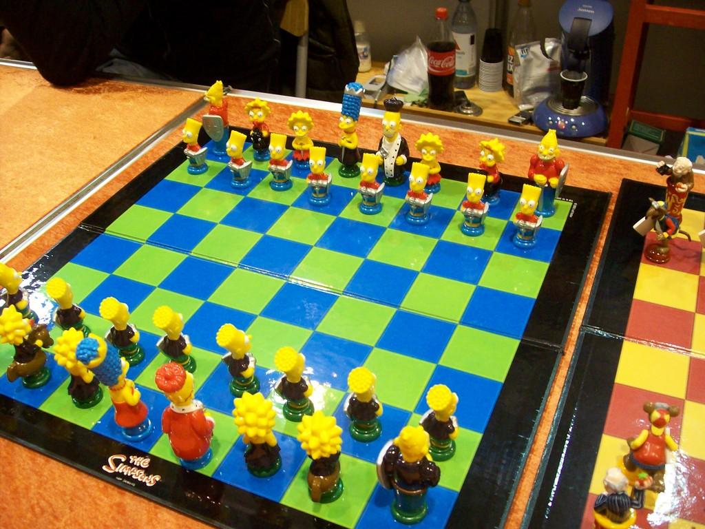 Schach, auch so eine Art Tabletop. In diesem Fall sind die Figuren sehr gelb.