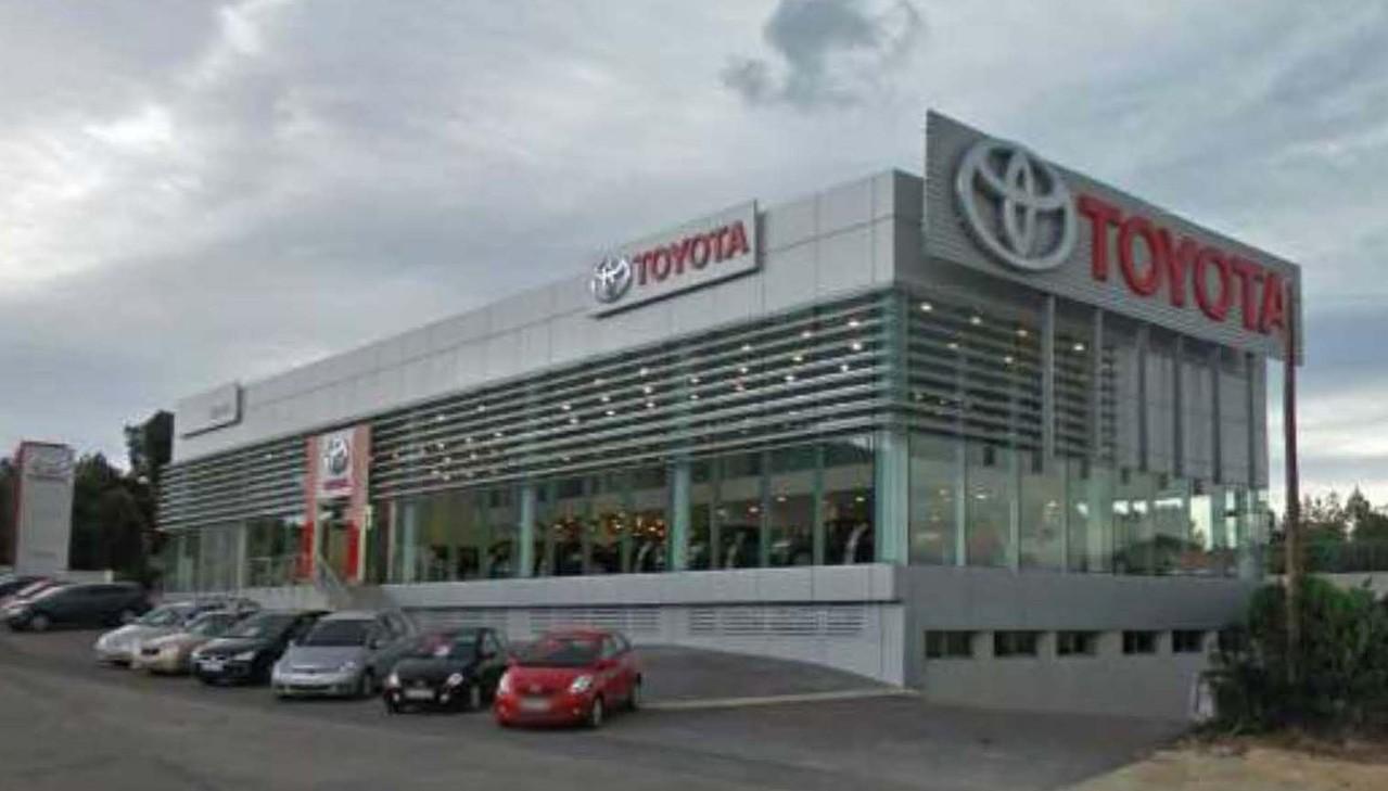 Nave comercial para la Toyota de Benidorm