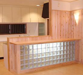 クリスタルカウンターが美しいキッチン