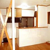 既設のキッチンを移動して使いやすい対面式へ。