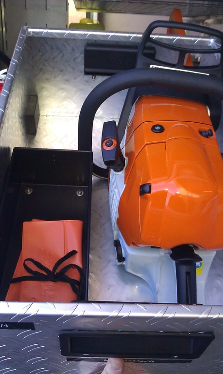 STIHL Motorkettensäge mit Werkzeug