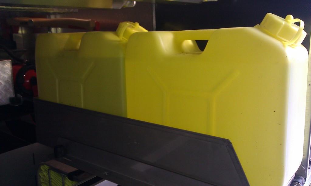 Schaummittelkanister/ 2x verladen