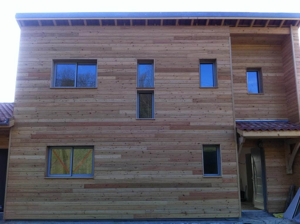 R alisation d 39 une maison ossature bois cabirol for Encadrement de fenetre en bois