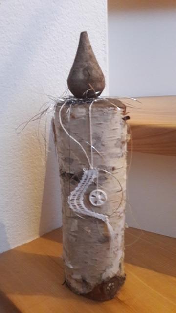 ©St-Asp: Klöppelanhänger mit eingehängtem Zwirnknopf