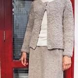 ループヤーンのシンプルジャケット&ヘリンボーンのスカート