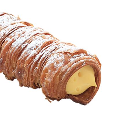 パリパリ食感の中にコクのあるクリームが入った人気NO1のコルネ
