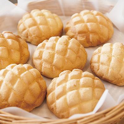 外はサックサク♪中はしっとり!さっぱりとした甘みが特徴のメロンパン。冷めても美味しくいただけます/三温糖さくさくメロンパン