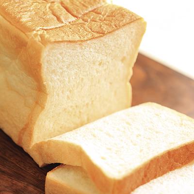 生クリームと湯種製法で、翌日もモッチモチ食感が楽しめる(角食パン)
