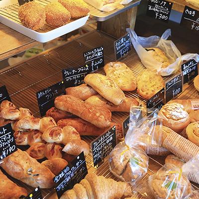ズラリと並ぶ種類豊富なパン達は、やや小ぶりで女子ウケ抜群のフォルム♪