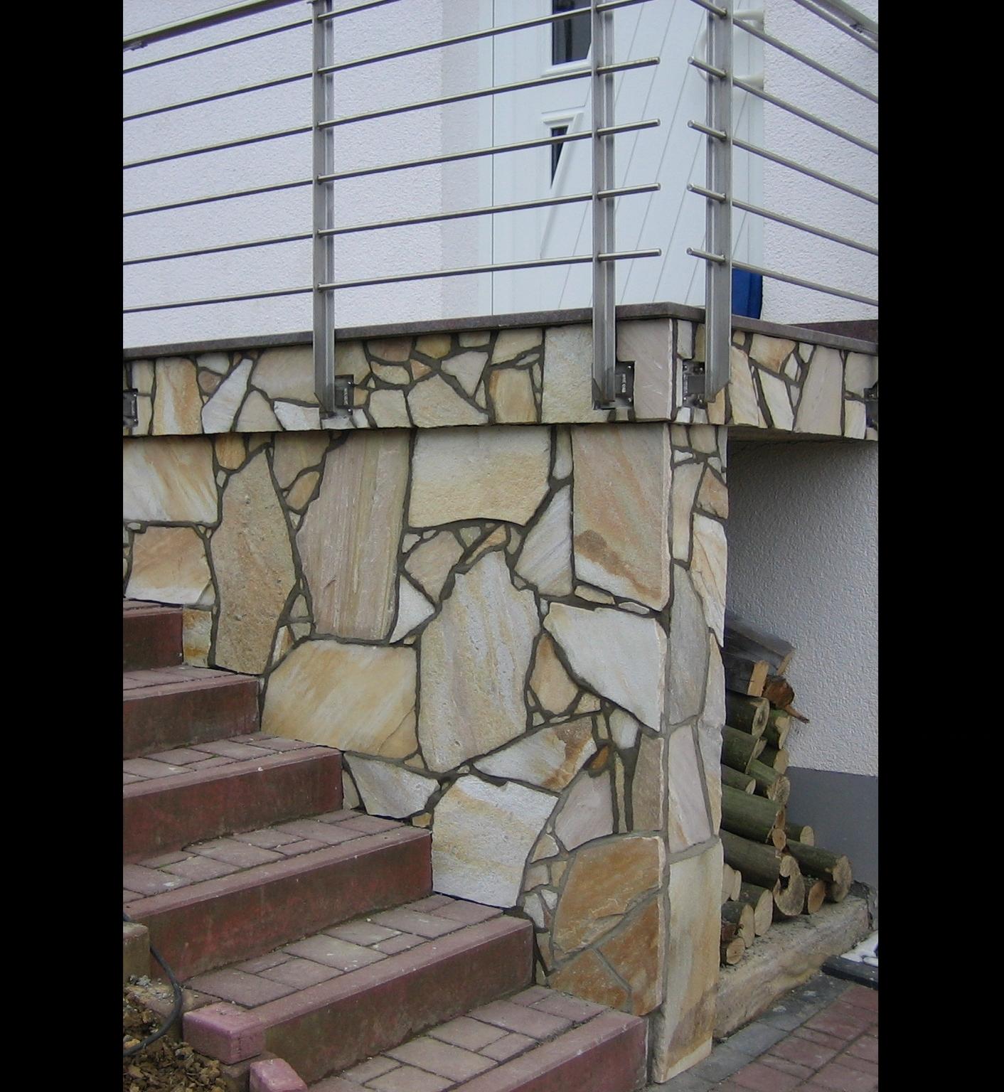 Treppenaufgang mit Polygonalplatten