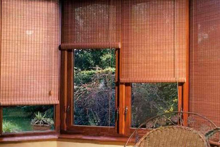 Бамбуковые вьетнамские шторы в зимнем саду