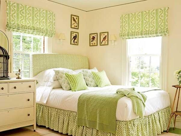 римские шторы из ярко-зеленой ткани