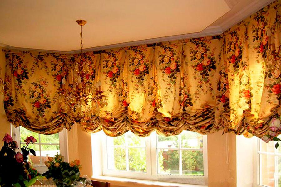 Австрийские шторы на балконе; ткань -  Jardin