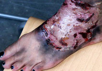 artstyle maskenbildner verletzungen