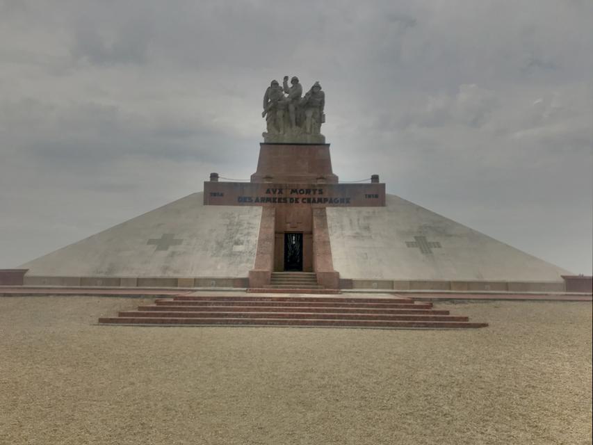 Monument zum Gedenken an die Gefallenen des ersten Weltkrieg.
