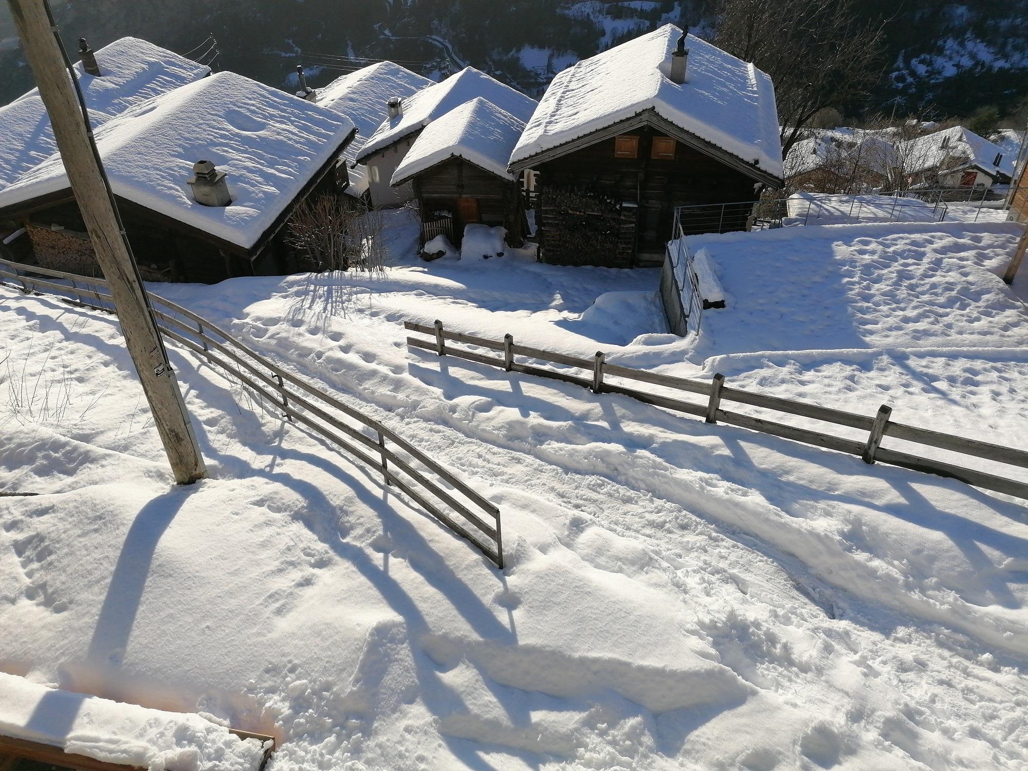 verschneiter Weg zum Turilji