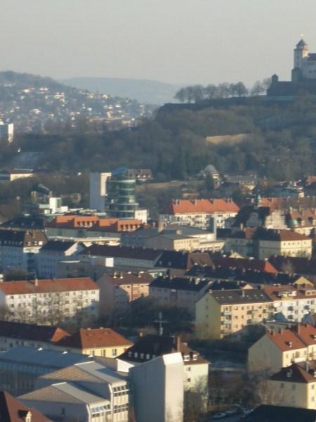 Würzburg von norwestlicher Richtung von der Steinburg aus betrachtet.