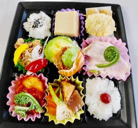 お弁当 1080円