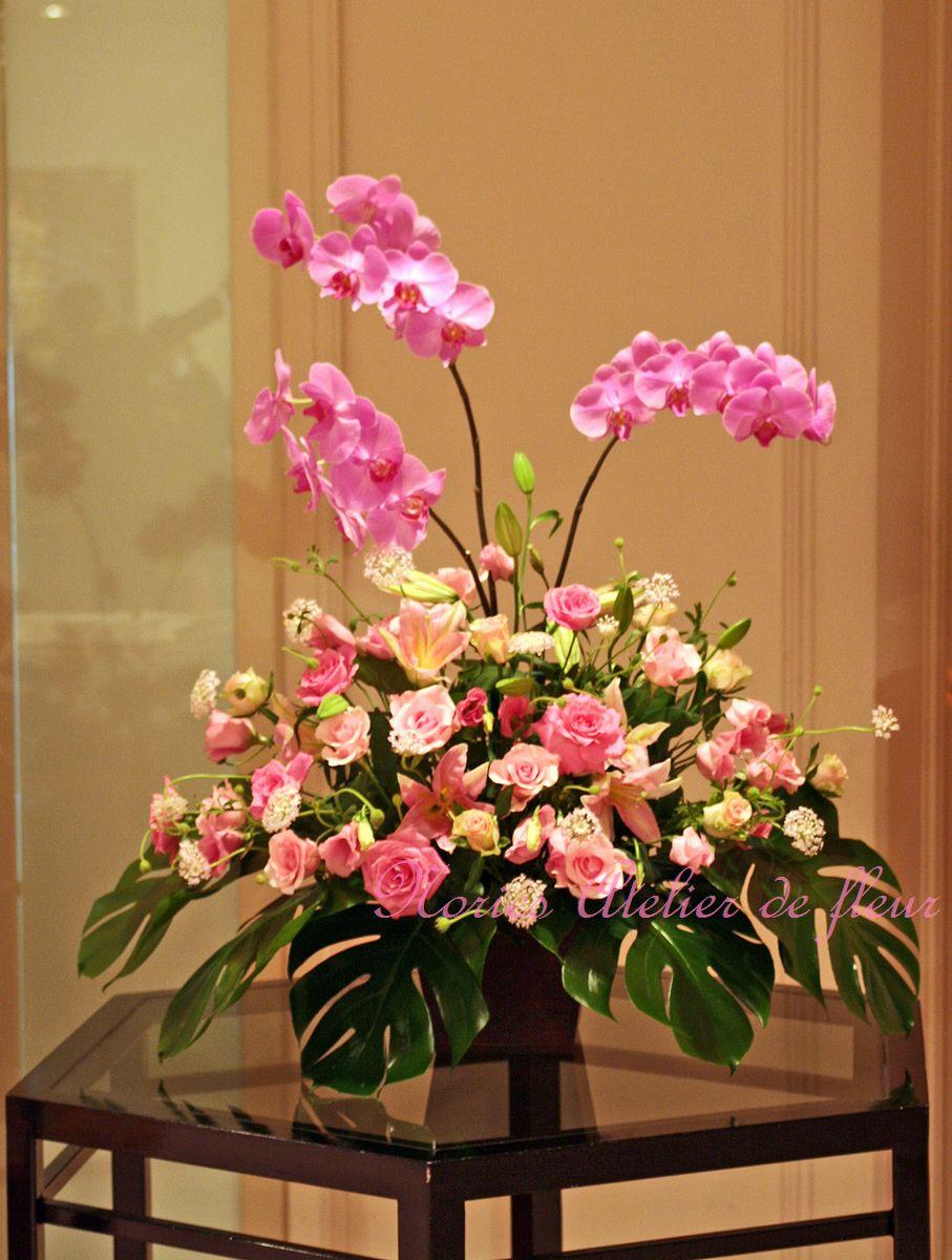 生花で制作したエントランスのアレンジメント