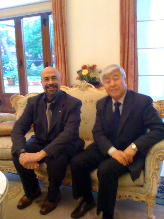 Novembre 2009, con il DIrettore Takada dell'Istituto di Cultura Giapponese