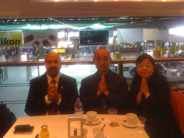 Giugno 2010, in aeroporto con il Rev. Ishi