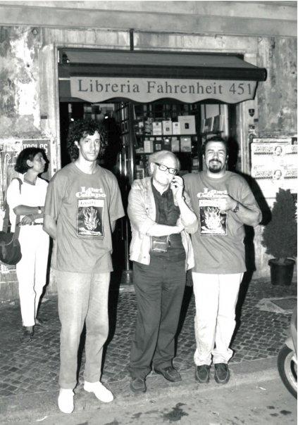 Luglio 1996, con Gianni Toti e Federico Scanni a Piazza Campo de Fiori per una performance