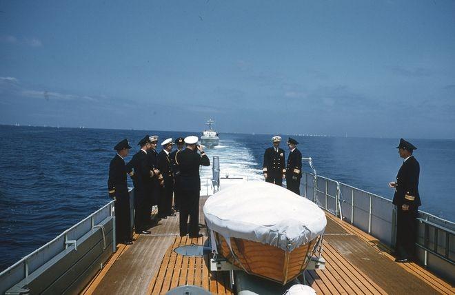 Seefahrt mit westlichen Marineattachés während der Kieler Woche 1956 - Bild: Archiv Jim Moses