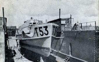 """T 53 (ex """"S 216"""") ab 1951: """"Havørnen"""", P 566 - Foto: L. Alring, Kongelig Dansk Marine"""
