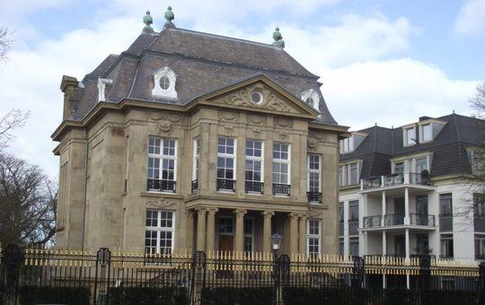 Sitz des F.d.S. in der Villa Sand Hage bei Scheveningen – Foto: Archiv