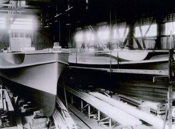 Zwei S-Boote in der Bauhalle - Bild: Lürssen